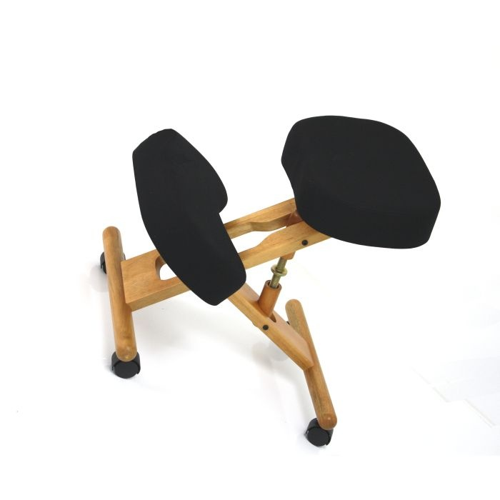 BetterPosture Classic Wooden Kneeling Chair :: Sports