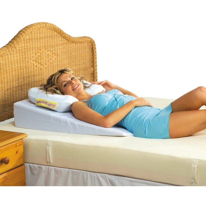 Putnams bed wedge sports supports mobility for Beds that sit up