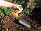 Long Reach Trowel
