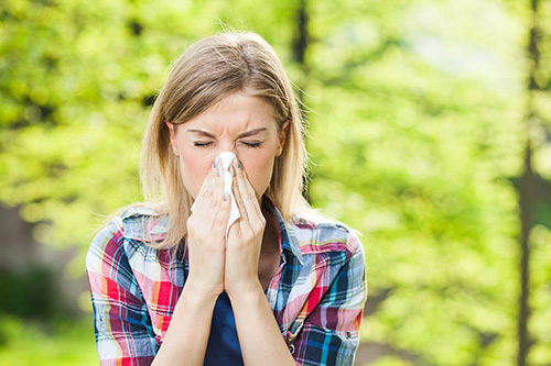 Treat Allergies and Sinus Problems with Nasal Irrigation