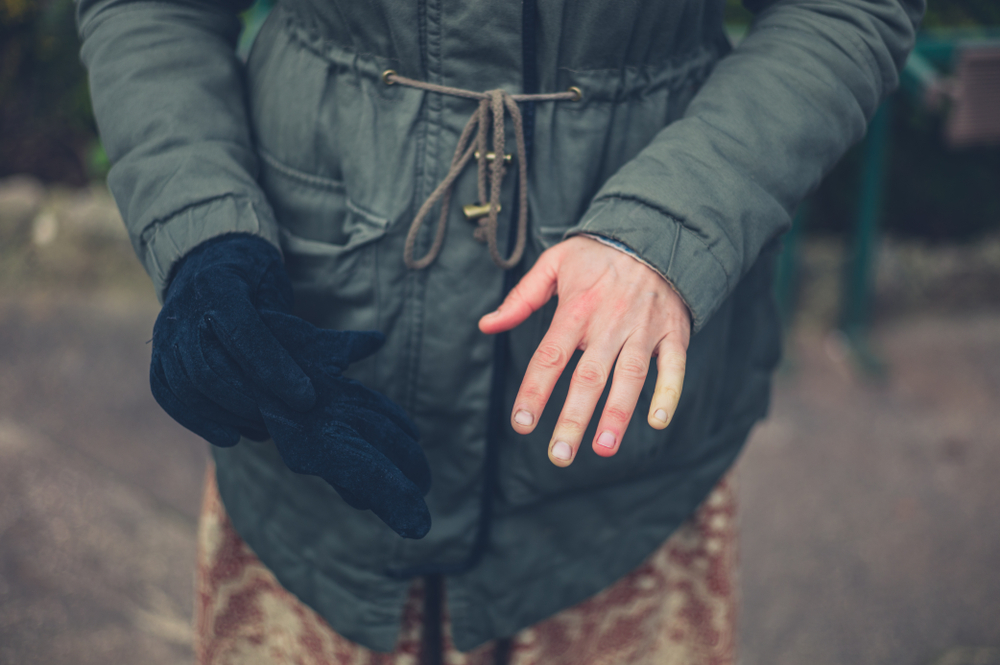 Gloves can help to keep Raynaud's episodes at bay