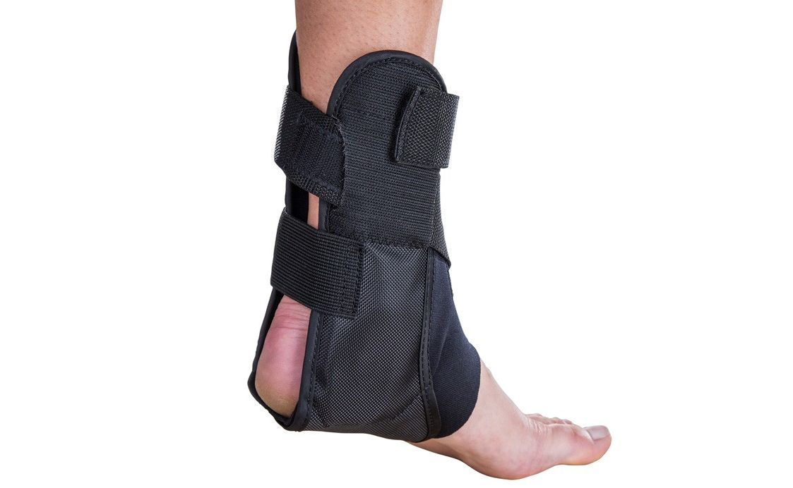 Aircast AirSport Ankle Brace Is Easy To Wear With A Step-In Design