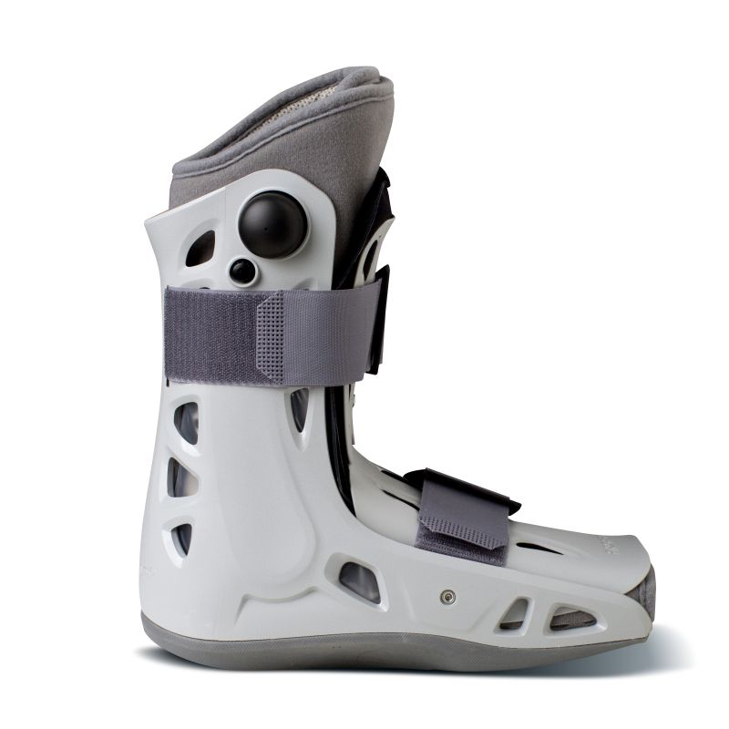 What Conditions is the Aircast AirSelect Short Walker Boot Suitable For?